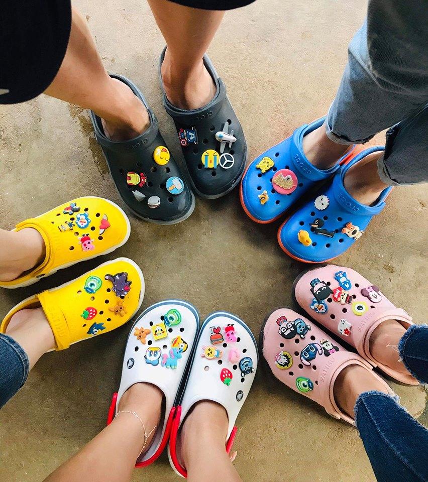Top giày dép đi biển cực chất cho mùa hè về - Thế Giới Crocs