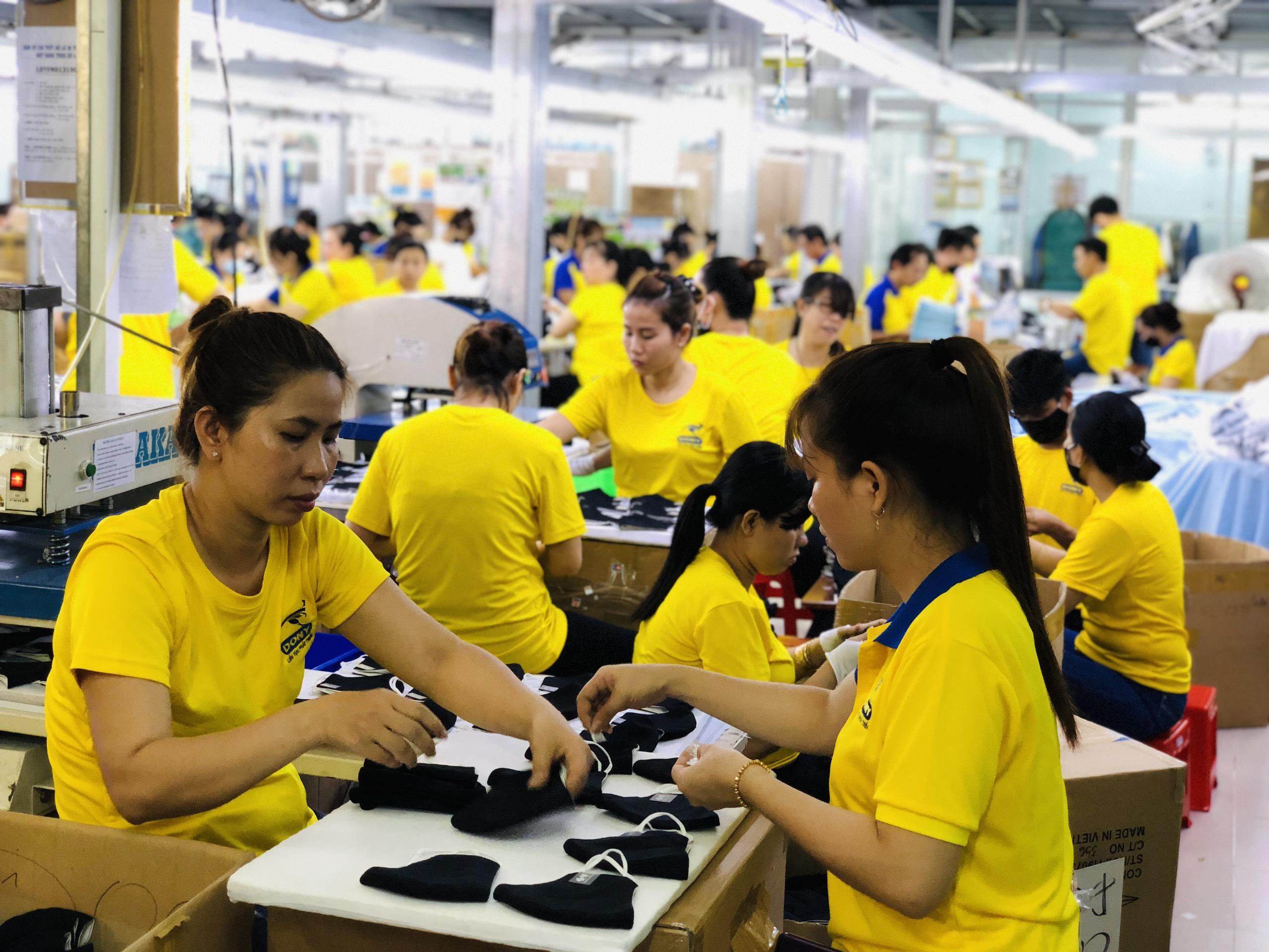 Xưởng may gia công tại Hà Nội uy tín