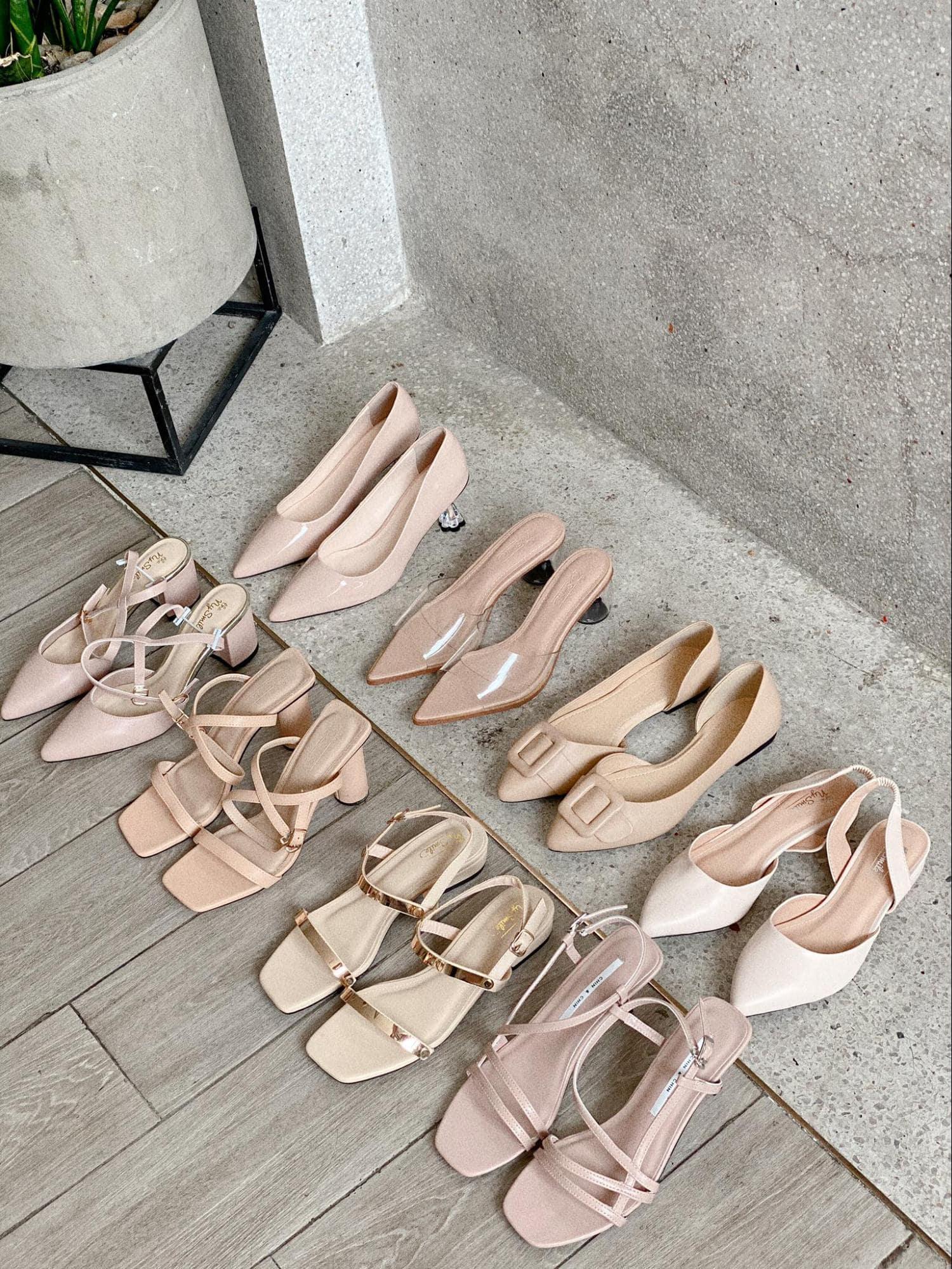 """TOP 7 Shop Bán Giày Sandal Nữ Đẹp Ở TPHCM """"Nhìn Là Mê"""""""