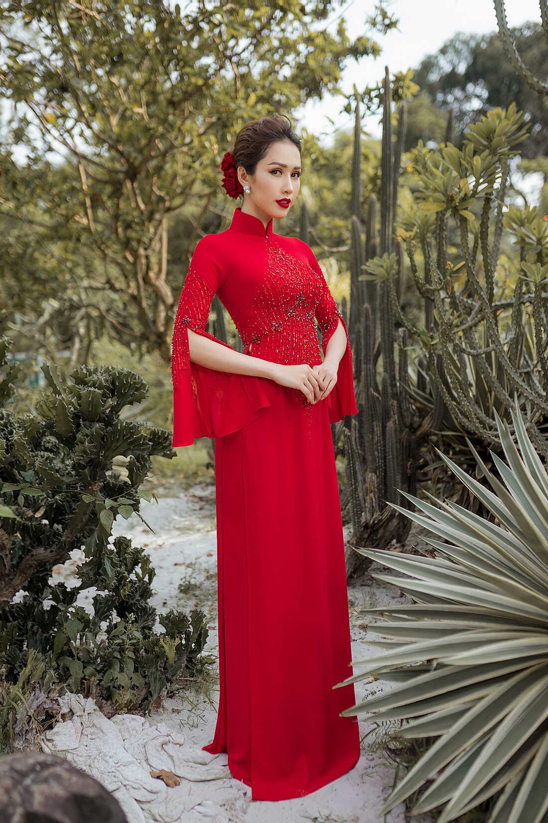 2020] Mẫu áo dài cưới màu đỏ - Áo dài cô dâu chú rể màu đỏ đẹp nhất