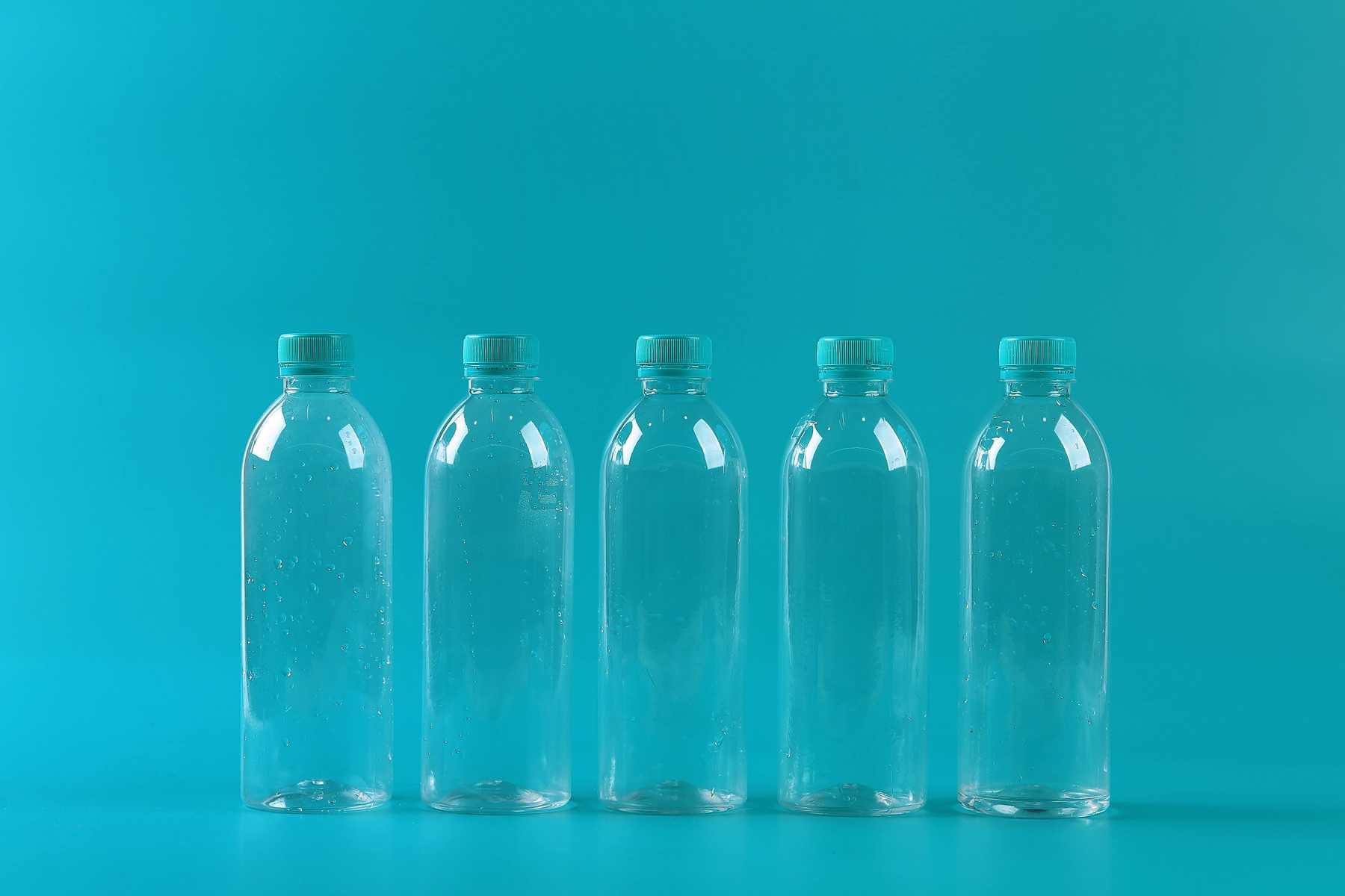Tiết kiệm hàng triệu từ ý tưởng sử dụng chai nhựa làm đồ trang trí    Cleanipedia