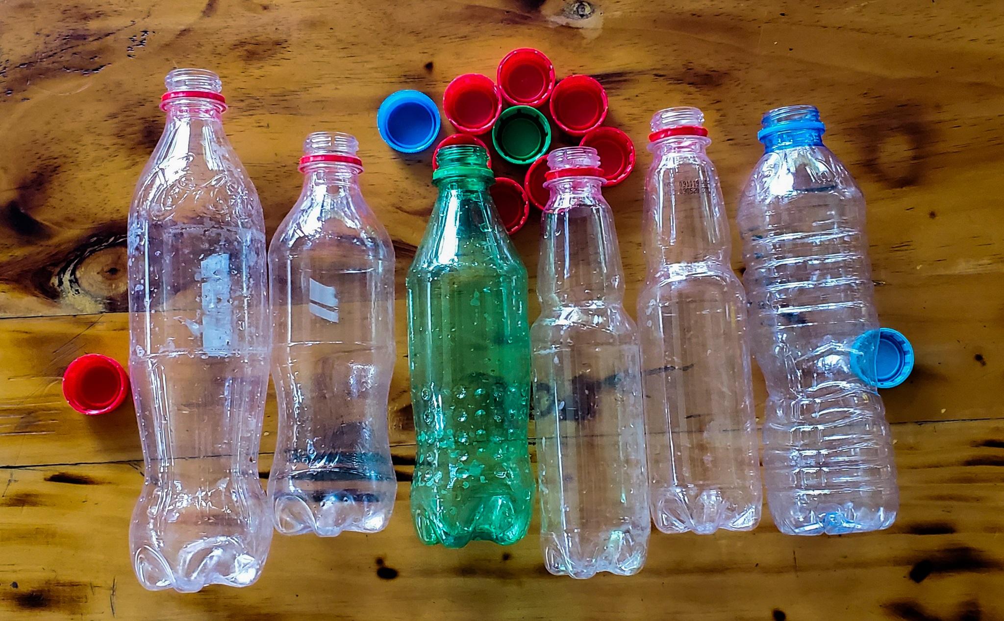Hỏi Tinh tế] Chai nhựa sau khi dùng xong có thể làm gì?   Tinh tế