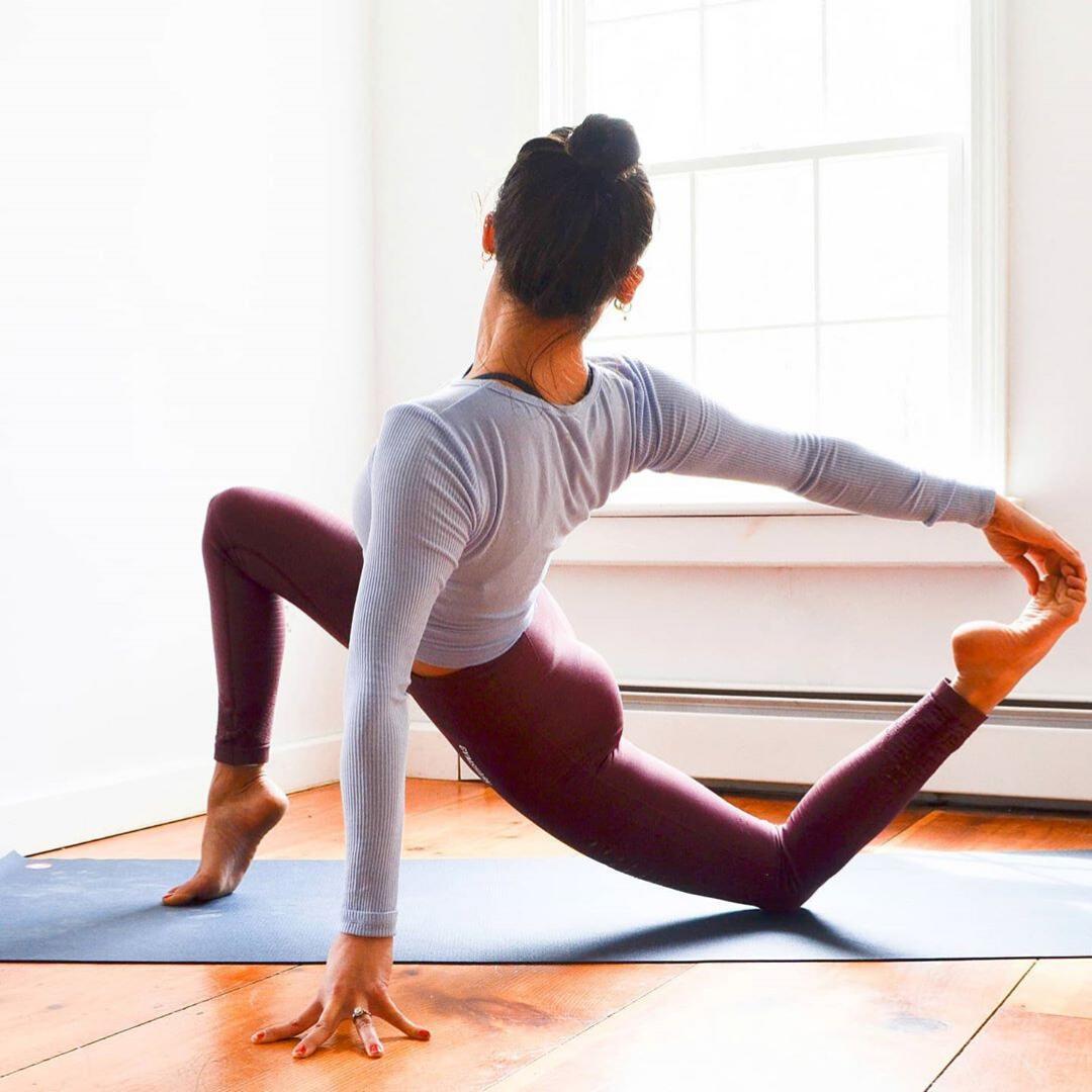 Đồ Tập Yoga Tốt - kênh phân phối sản phẩm tập luyện yoga khiến các yogi mê tít | THƯƠNG HIỆU VÀ CUỘC SỐNG