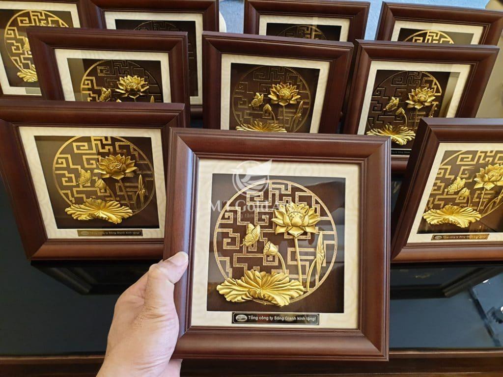 15 món quà tặng lưu niệm tinh tế đậm dấu ấn văn hóa