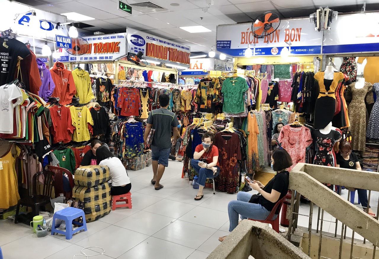 Tiểu thương chợ An Đông chủ động đóng cửa, hẹn khách hết dịch gặp lại - Báo  Miền Tây