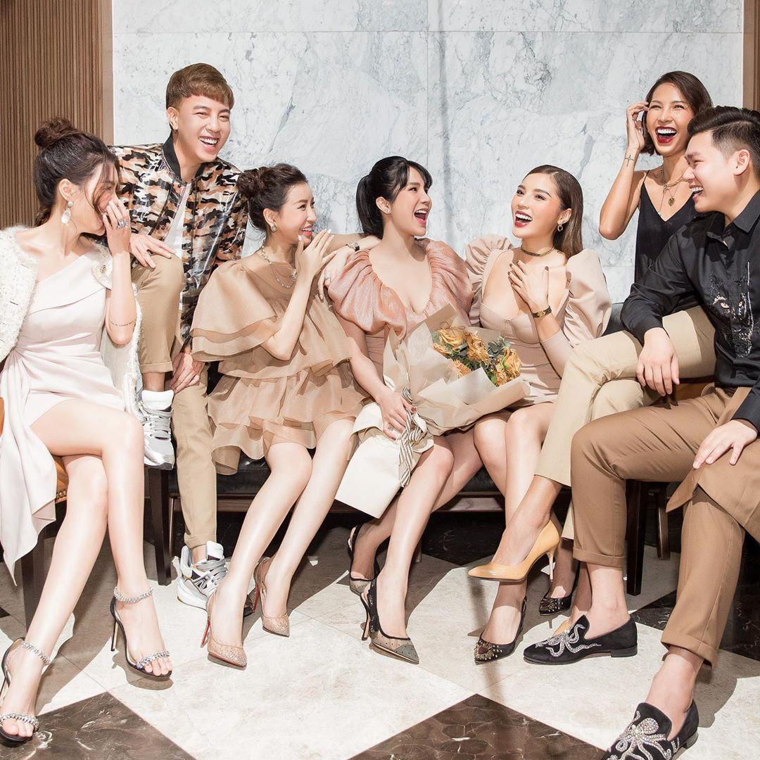 Dress code sinh nhật sao Việt: Người đơn giản, người đầu tư chơi trội cực kỳ
