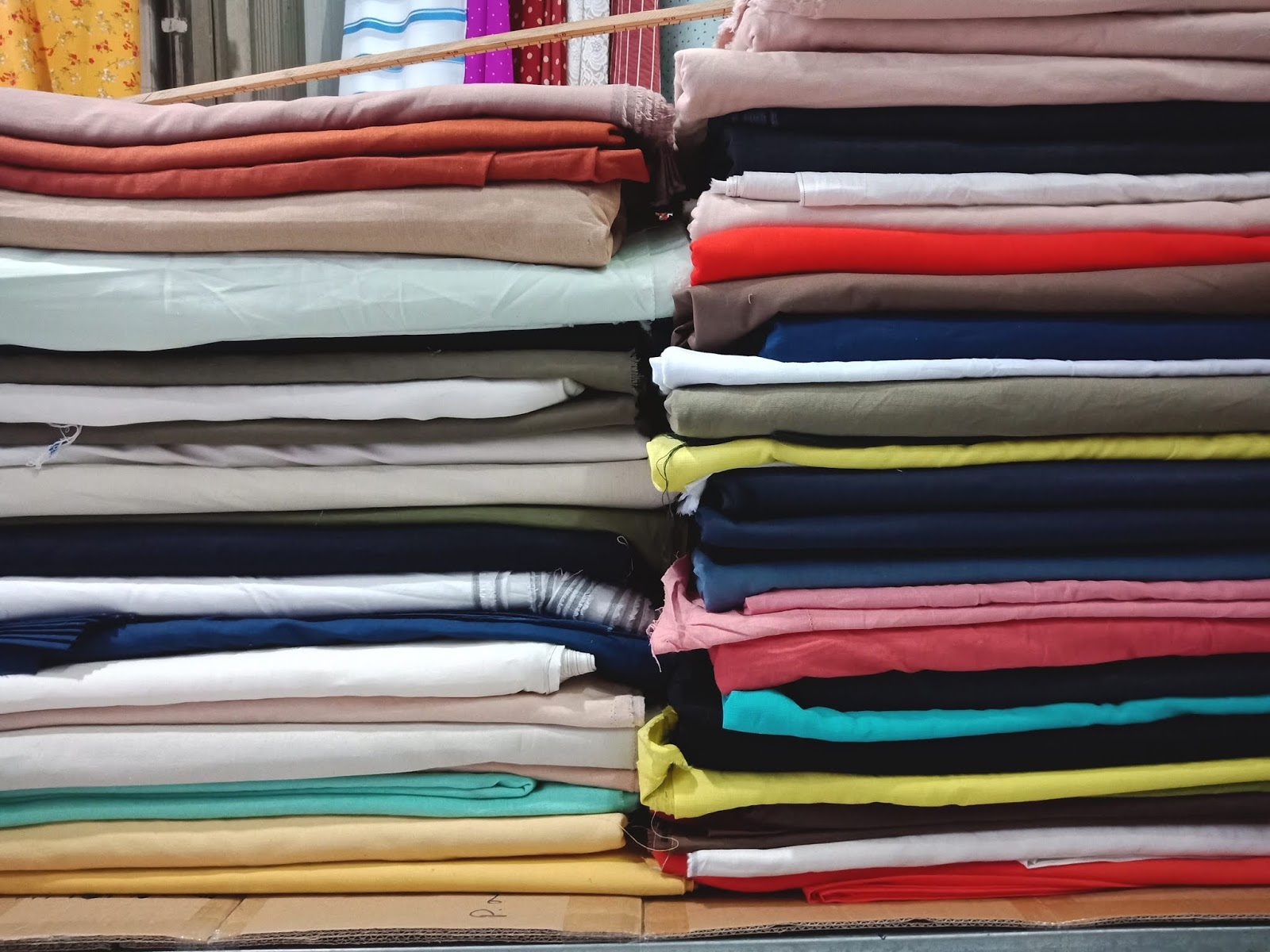 Cách phân biệt vải Đũi màu và vải Linen thời trang - CÔNG TY MAY MẶC ADAMIS