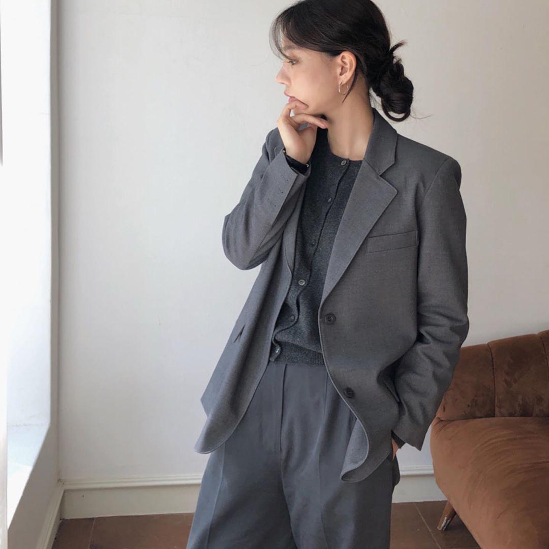 Mặc chất mùa thu: Đừng chỉ mua quần nâu, đen, quần màu ghi nhìn cũng xịn  đét mà giá chỉ từ 280K bạn ơi!